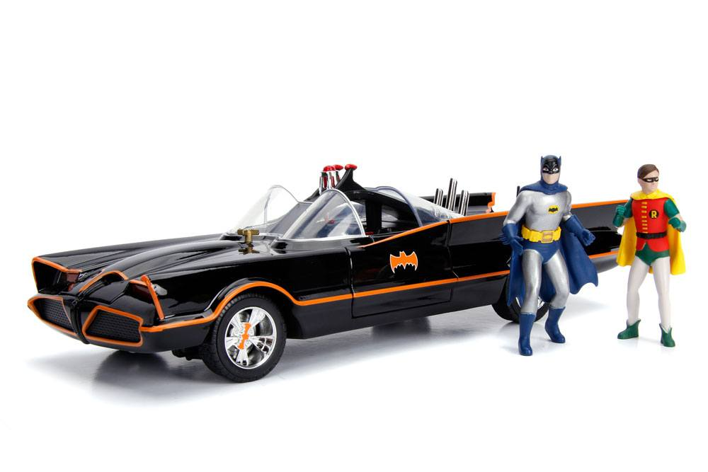 Batman Diecast Model 1/18 1966 Batmobile with Light-Up Functions and Figure