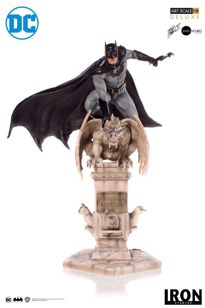 DC Comics Deluxe Art Scale Statue 1/10 Batman by Eddy Barrows 30 cm