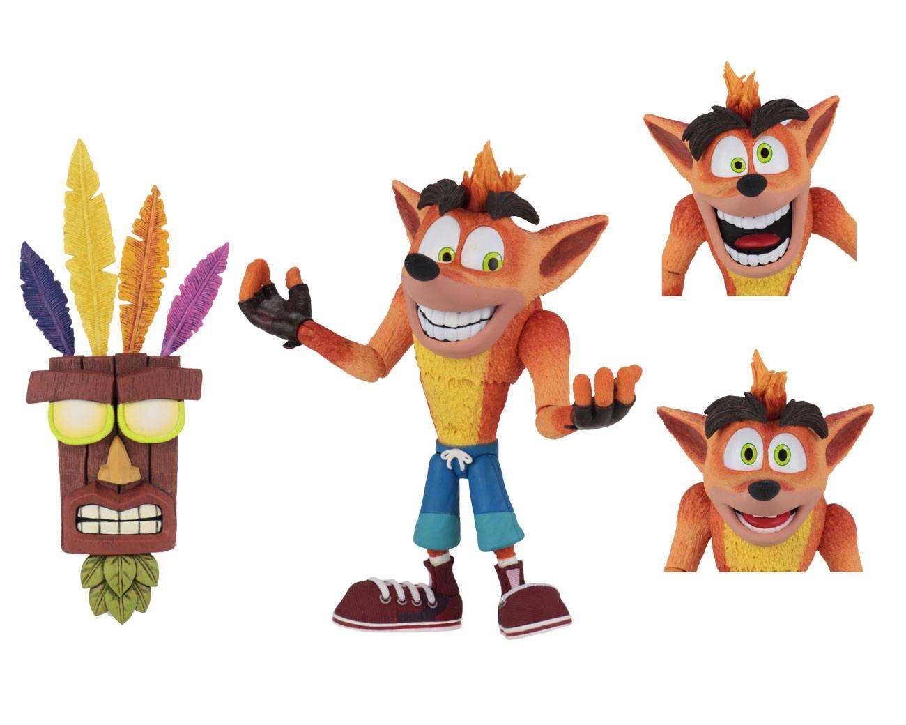 Crash Bandicoot Ultra Deluxe Action Figure Crash with Aku Aku Mask 14 cm