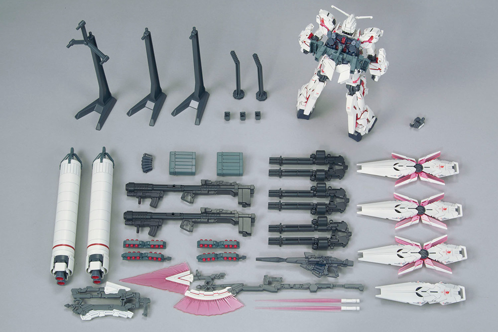 High Grade Gundam Unicorn: HG Full Armor D. Mode Red Ver. 1:144 Model Kit