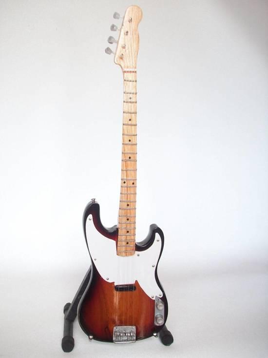 Mini Guitar Replica The Police - Sting Bass 26 cm