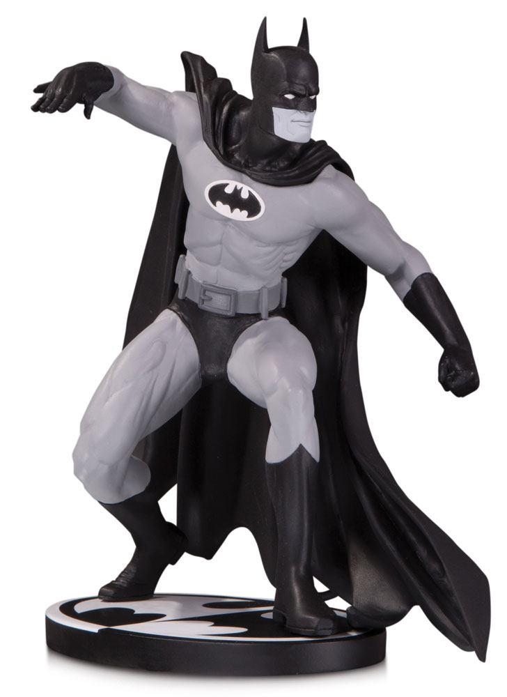 Batman Black & White Statue Batman by Gene Colan 17 cm