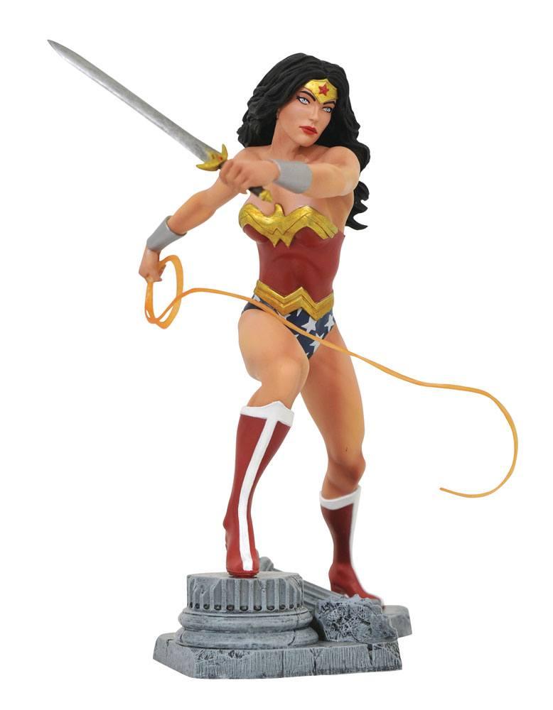 DC Gallery PVC Statue Wonder Woman Lasso Comic 23 cm