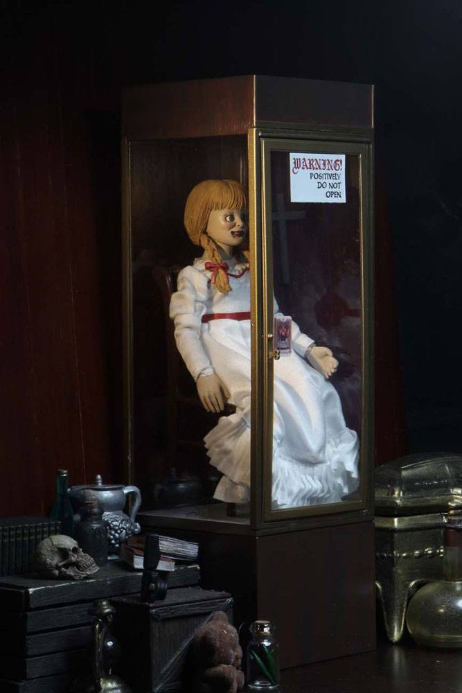 The Conjuring Universe Retro Action Figure Annabelle 20 cm