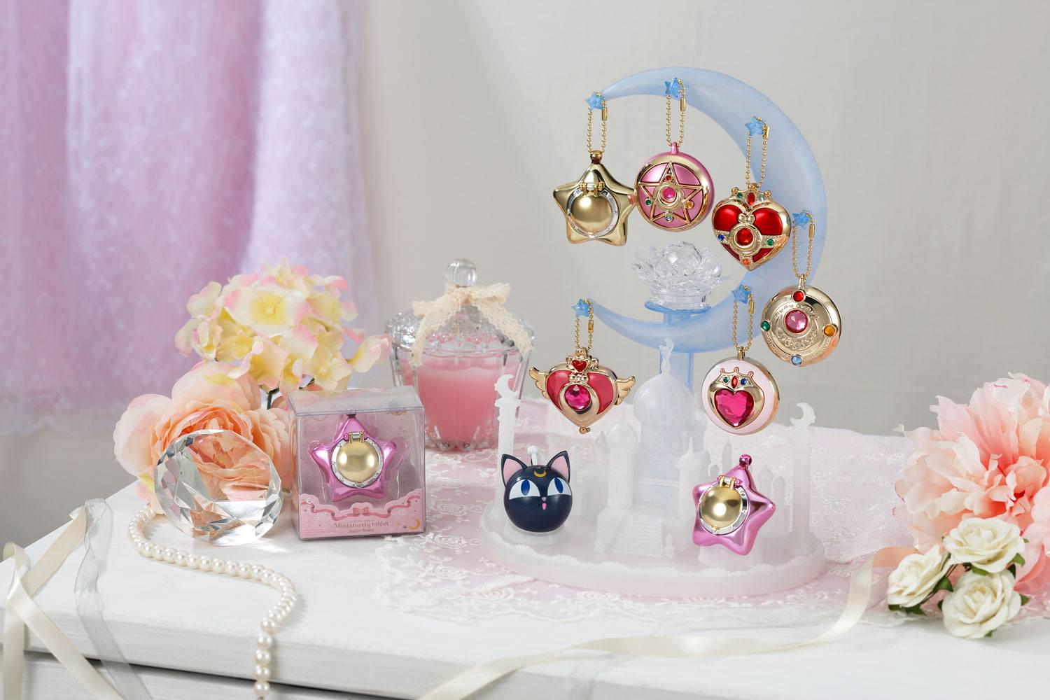 Sailor Moon Display Stand for Mini Compact Tablet Case Keychains 25 cm
