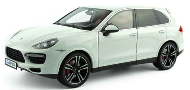 Porsche Cayenne Scale 1:43 (White/Branco)