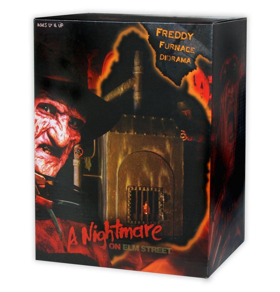 Nightmare on Elm Street Diorama Freddy's Furnace 23 cm