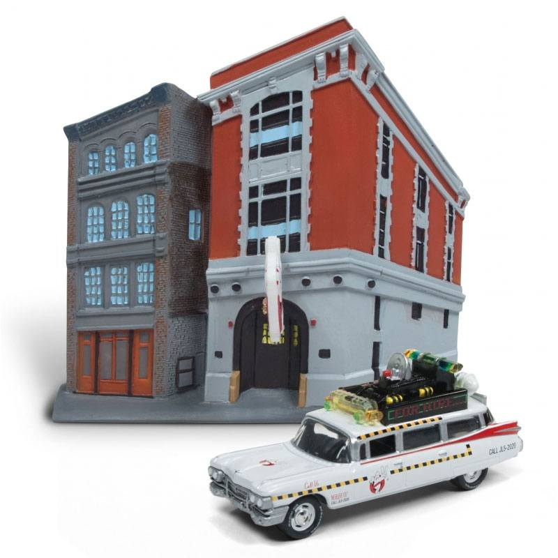 Ghostbusters Diecast Model 1/64 1959 Cadillac Ecto-1 Firehouse Diorama Set