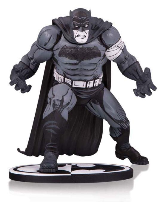 Batman Black & White Statue Batman by Klaus Janson 25 cm